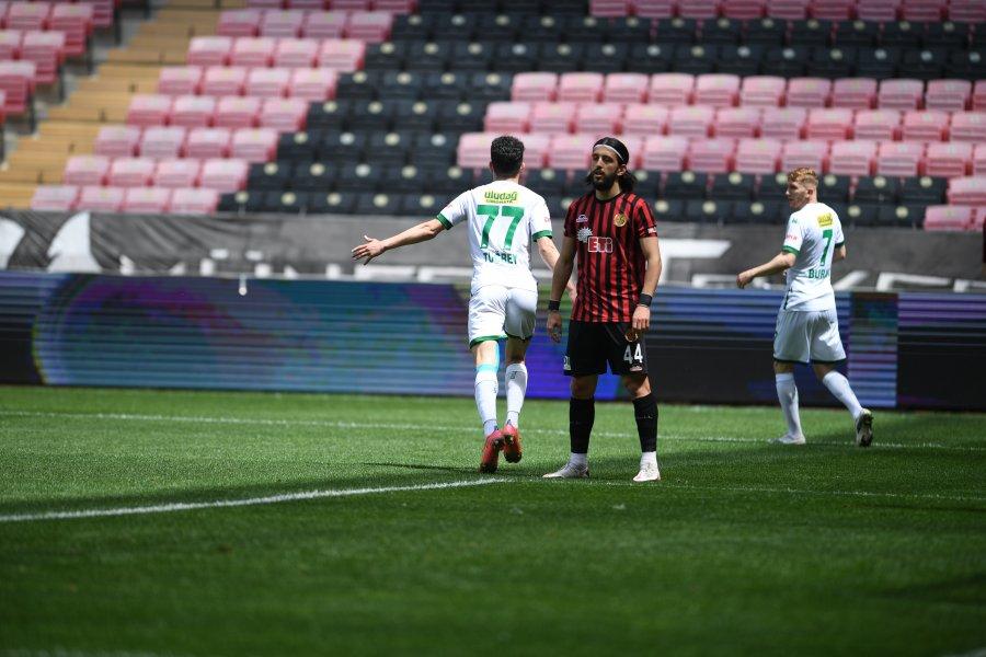 Eskişehirspor - Bursaspor maçı fotoğrafları burada..